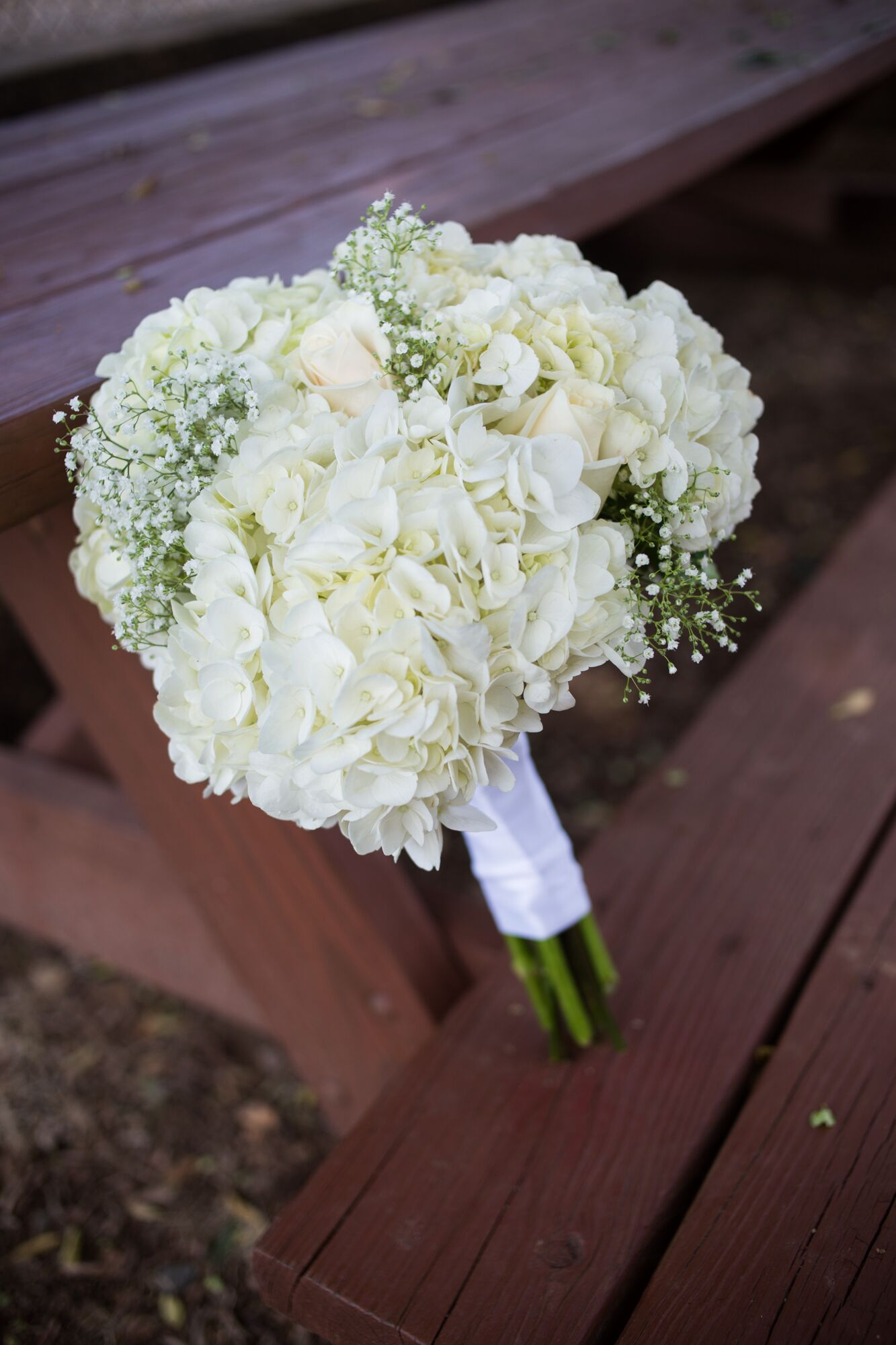 white hydrangea wedding bouquet diy white hydrangea and baby s breath bouquet 1342