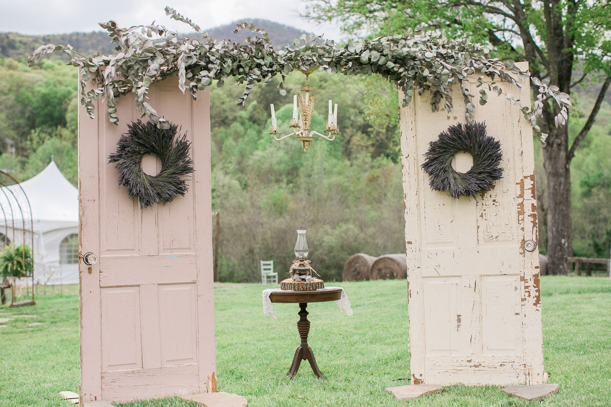 Diy vintage door wedding arch for Antique door decoration