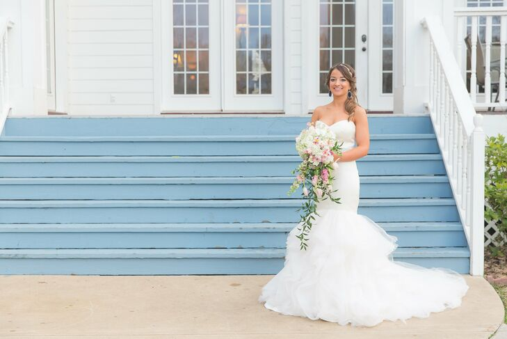 Alvina valenta mermaid style wedding dress for Wedding dress shops in huntsville al