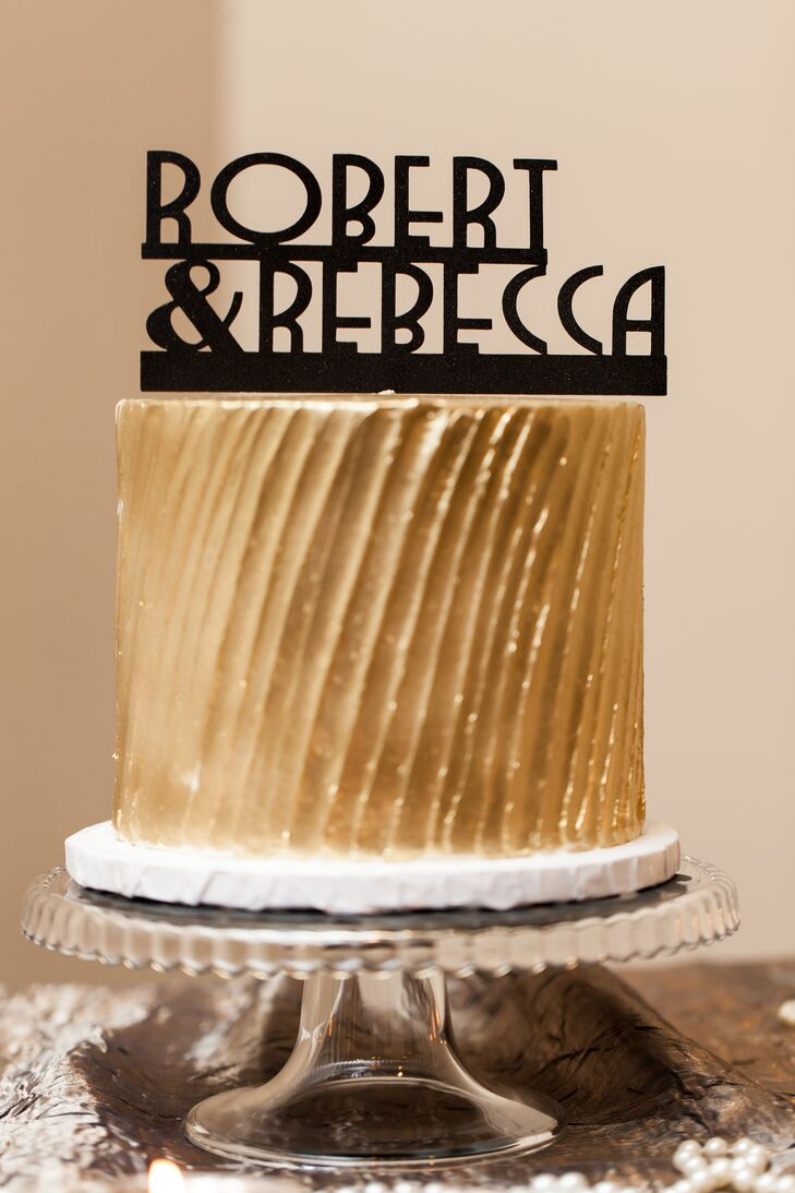 Art Deco Monogram Cake Topper : A Gold Art Deco Wedding Cake with a Personalized Cake Topper