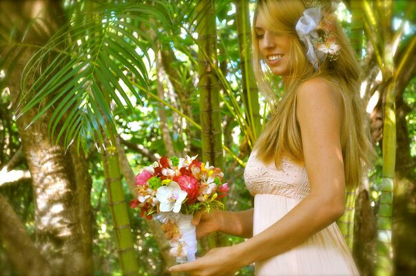 Wedding Bouquet Preservation Hawaii : Florists in honolulu hi the knot