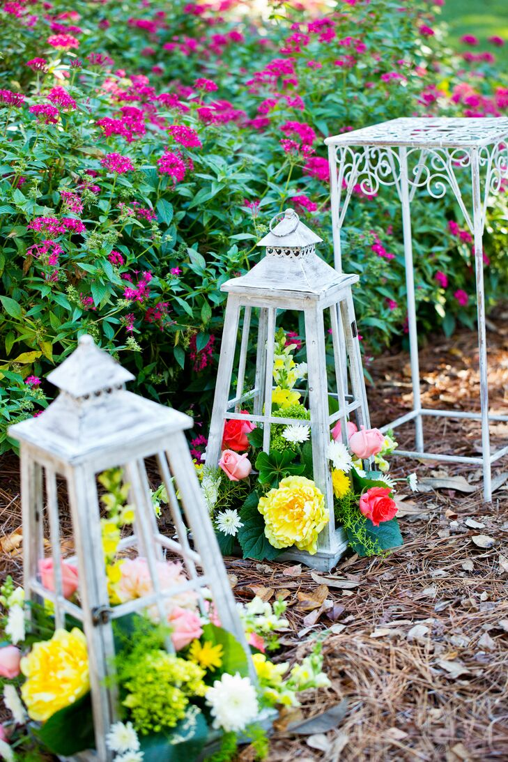 Fresh Flower and Lantern Aisle Markers