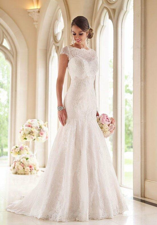 Stella York 6027 Wedding Dress photo