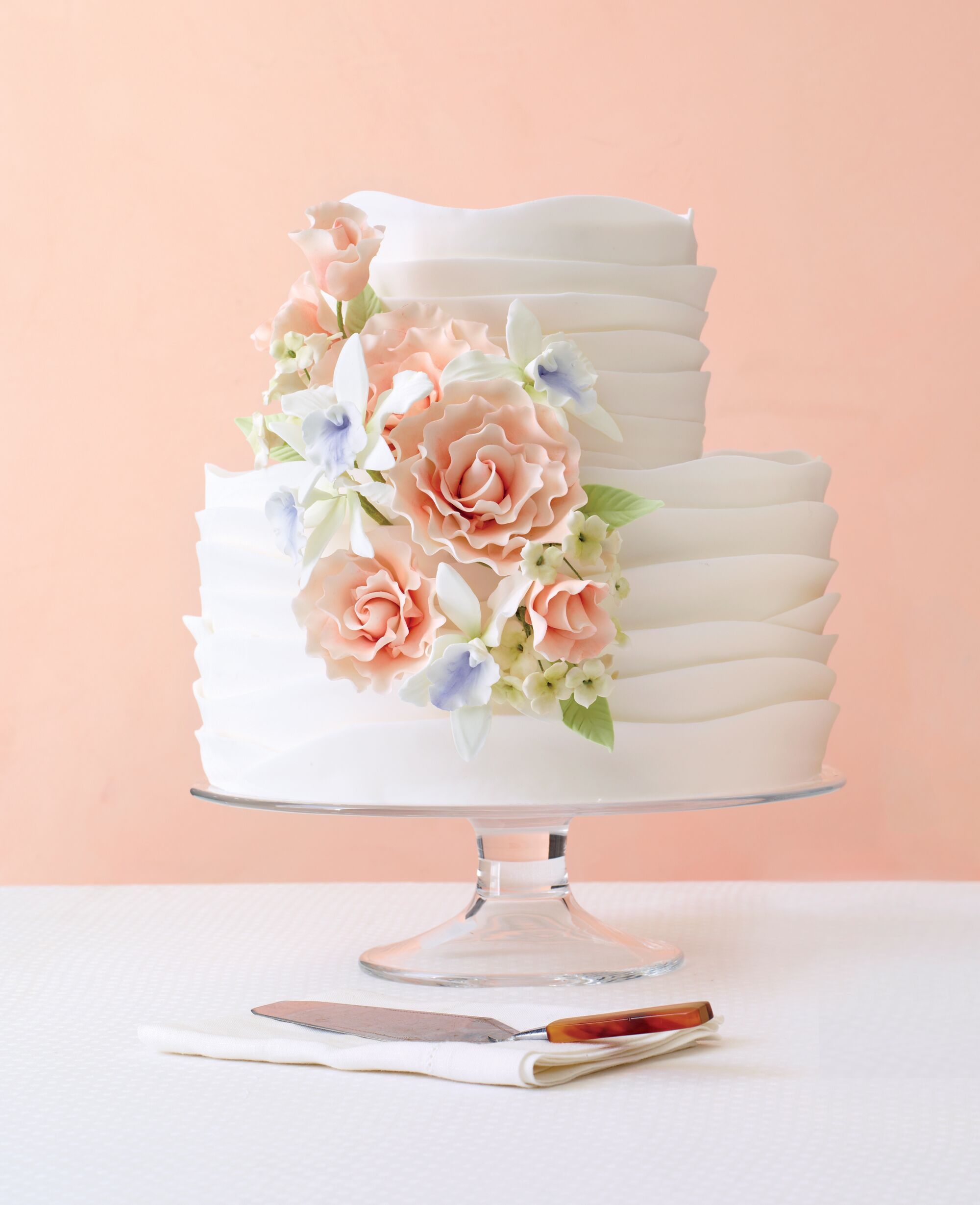 The 25 prettiest wedding cakes weve ever seen mightylinksfo