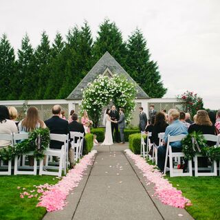 A Cheerful Garden Wedding in West Linn