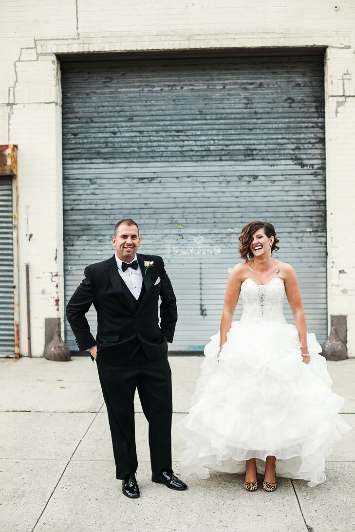 A Rustic Industrial Wedding at The Foundry in Long Island City, New York