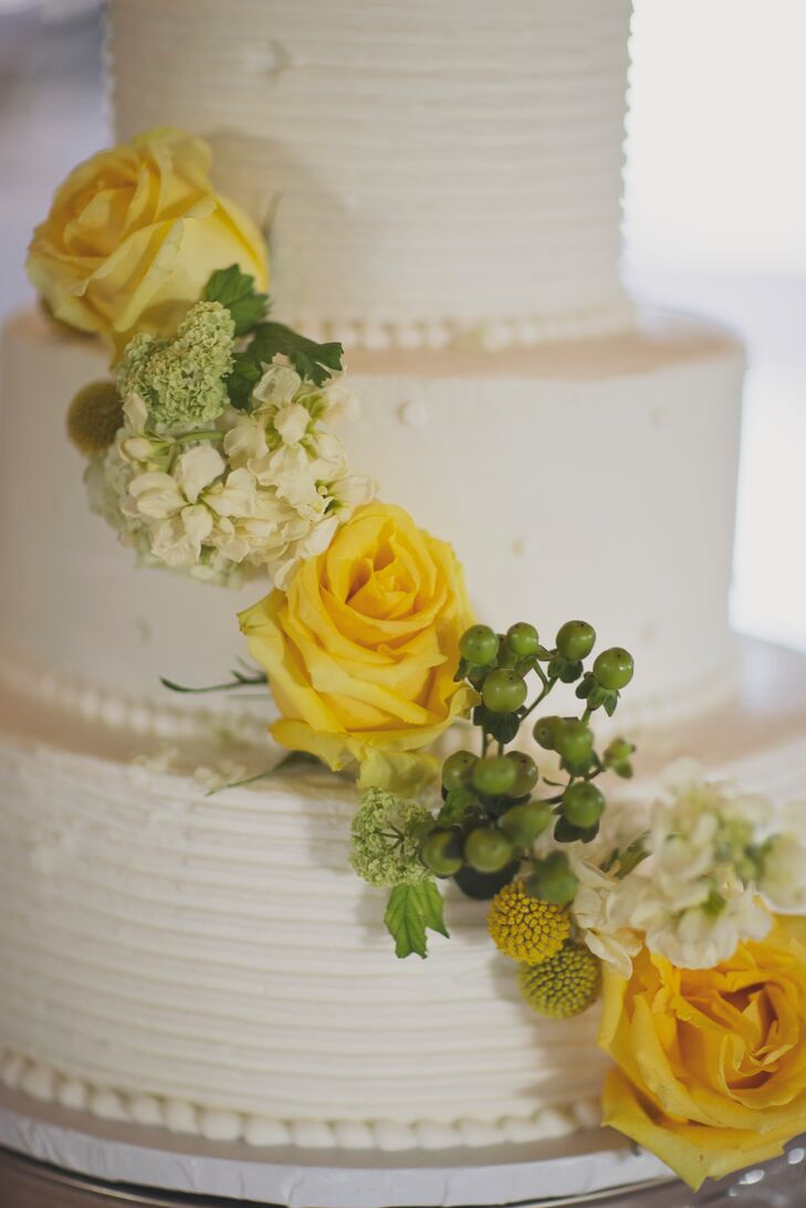Yellow Rose, Green Hypericum Berry-Decorated Wedding Cake