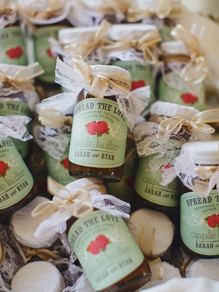 Wedding favor ideas for fall weddings apple butter fall wedding favors junglespirit Image collections
