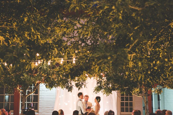 Quaker Wedding Ceremony At Historic Fifth Street School