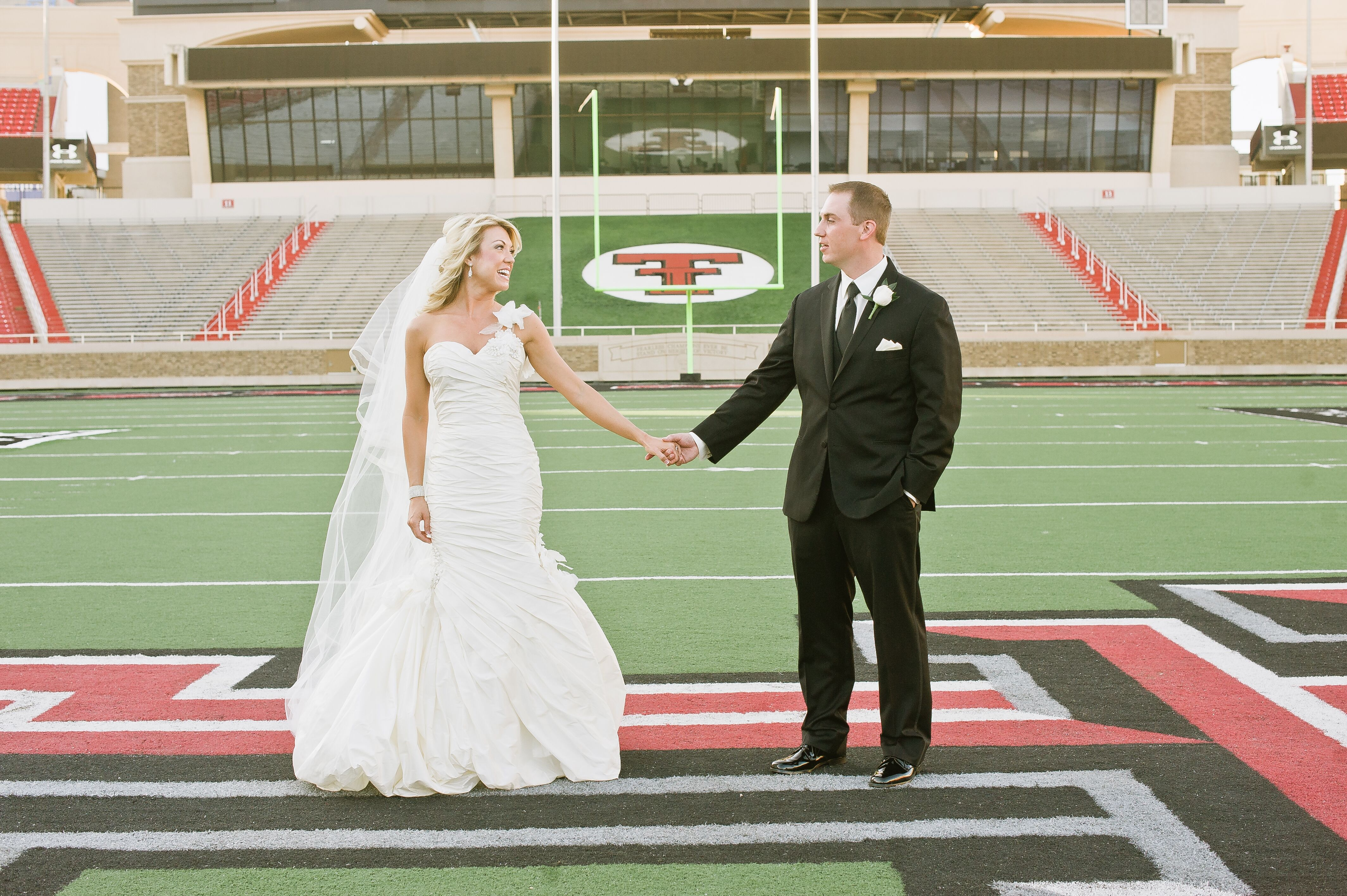 Wedding Invitations Lubbock Tx: An Elegant Wedding At The Texas Tech Club In Lubbock, Texas
