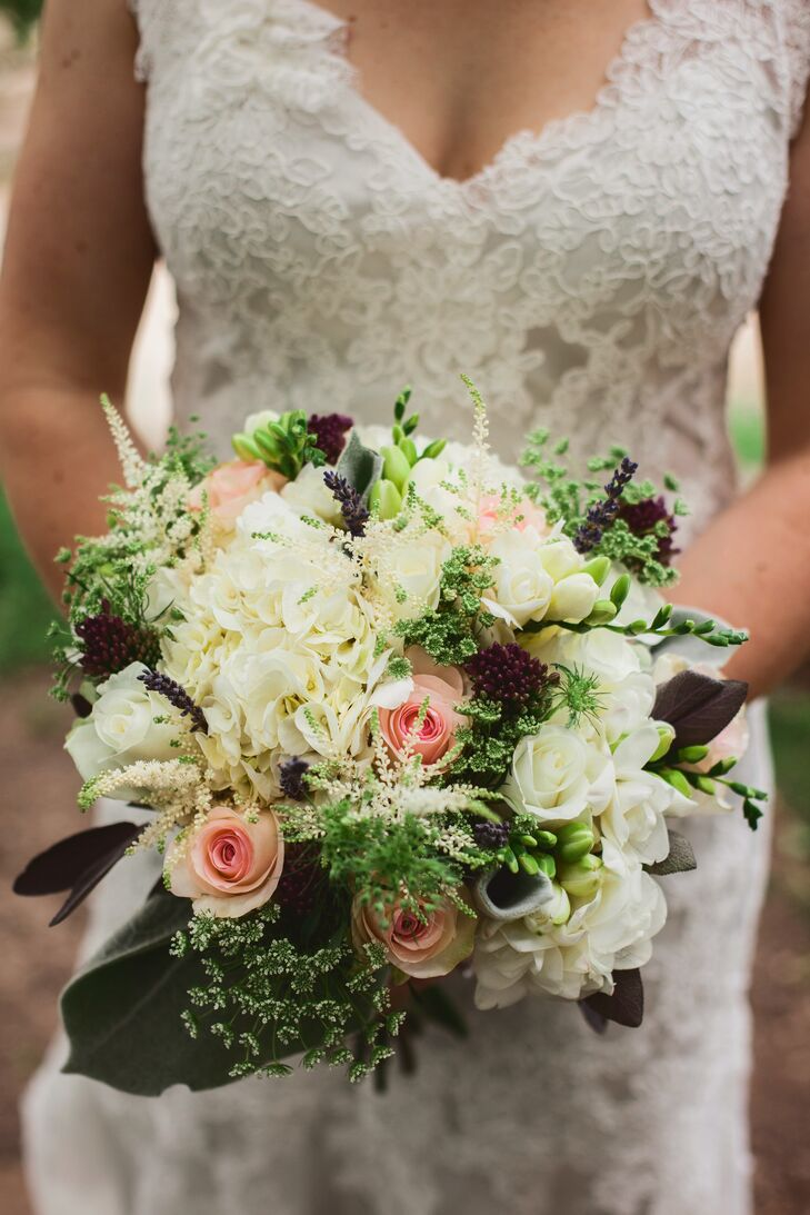 Vintage Bouquet with Roses and Hydrangea