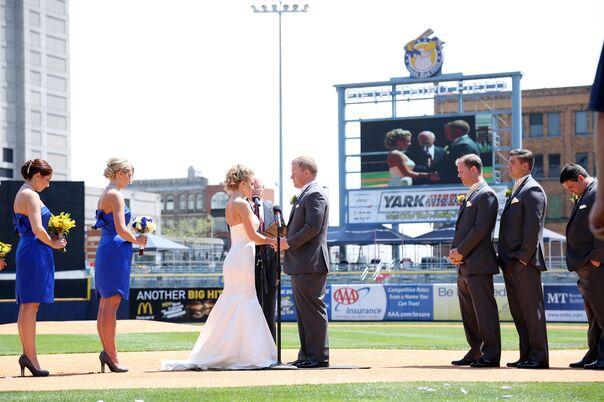 Wedding Reception Locations Near Toledo Ohio : Wedding venues in toledo oh the knot