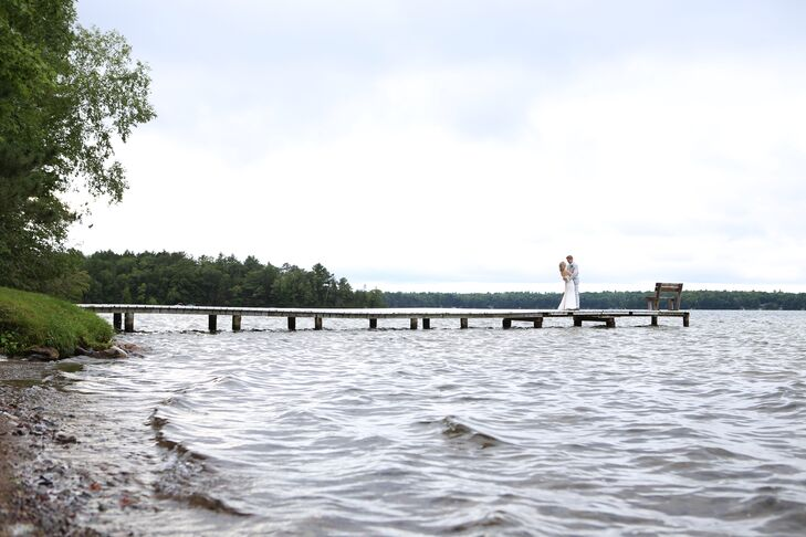 Alise Wasserburger (29, and in real estate) and Michael Bagguley (32, and a scientist) planned a rustic waterfront wedding along Dillman's Bay Resort