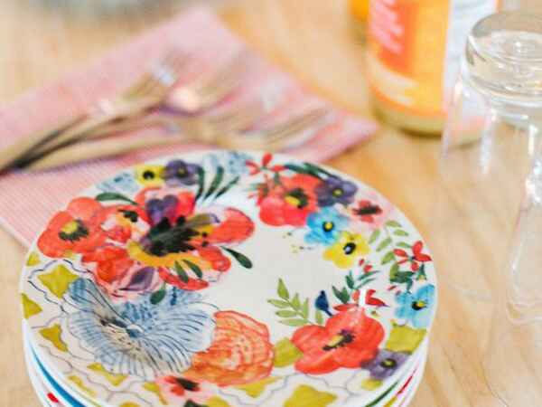 Tips and tricks for throwing a laid-back Mother's Day party the modern way.