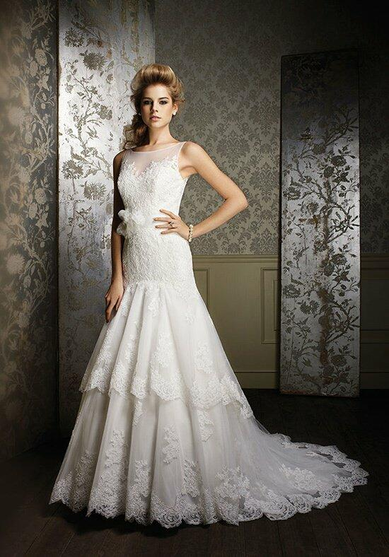 Alfred Angelo Sapphire 885 Wedding Dress photo