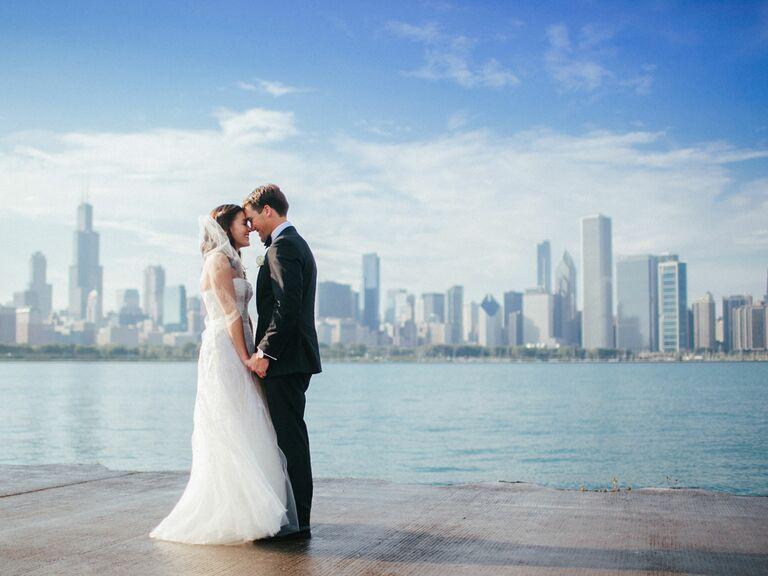 Bride and groom wedding photo with Chicago skyline
