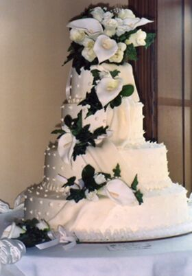 wedding cake bakeries in racine wi wedding cakes desserts in milwaukee wi the knot 21854