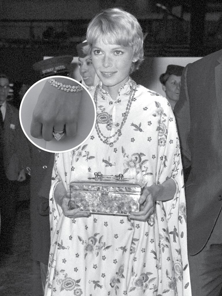 Mia Farrow's engagement ring from Frank Sinatra