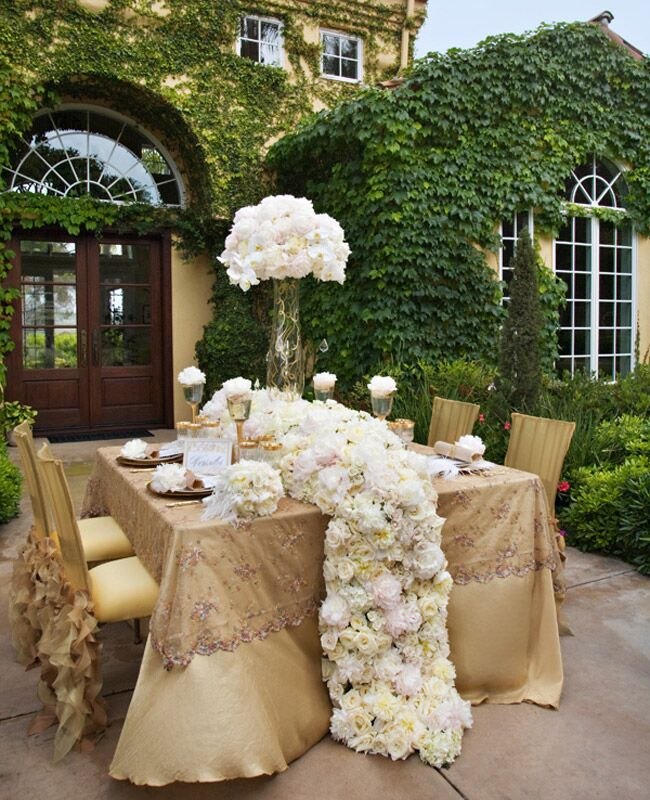 Fabulous 9 Flower Table Runners You'll Love! OR71