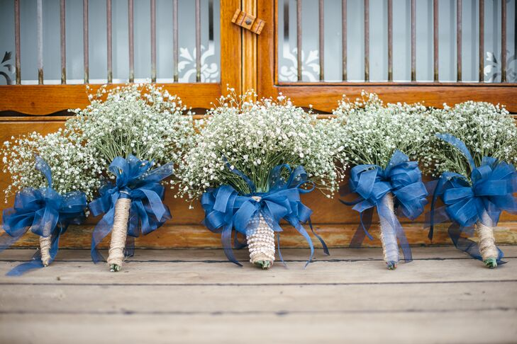 DIY Baby\'s Breath Bouquets with Blue Ribbon and Hemp Wrap
