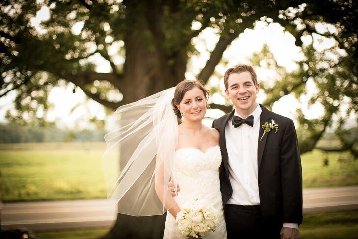 Neutral Elegant Outdoor Wedding: An Elegant Outdoor Wedding In Ithaca, NY