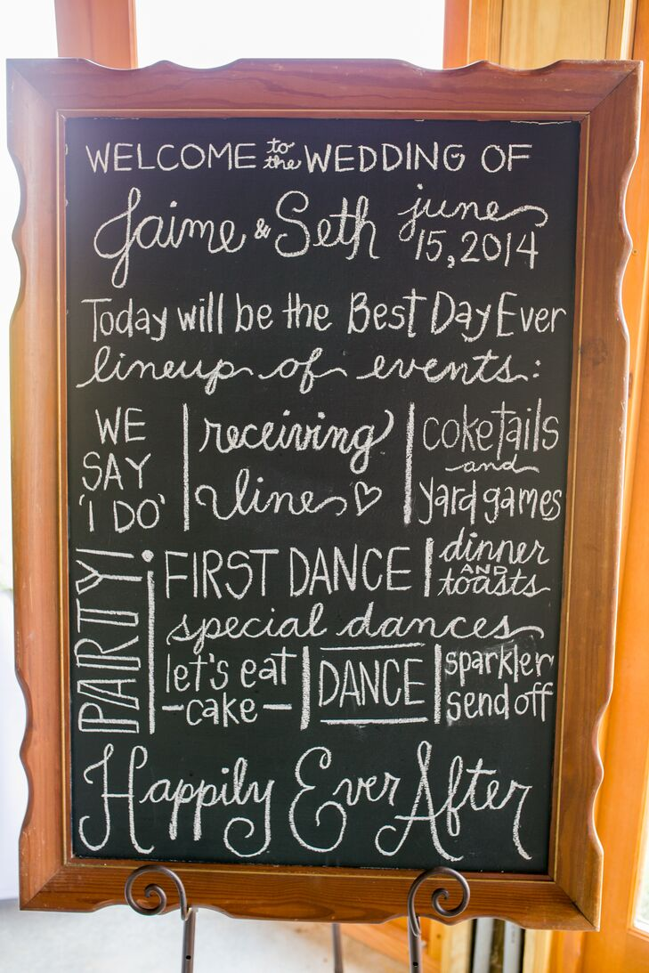 Jaime and Seth used handwritten chalkboard signs throughout their wedding day.