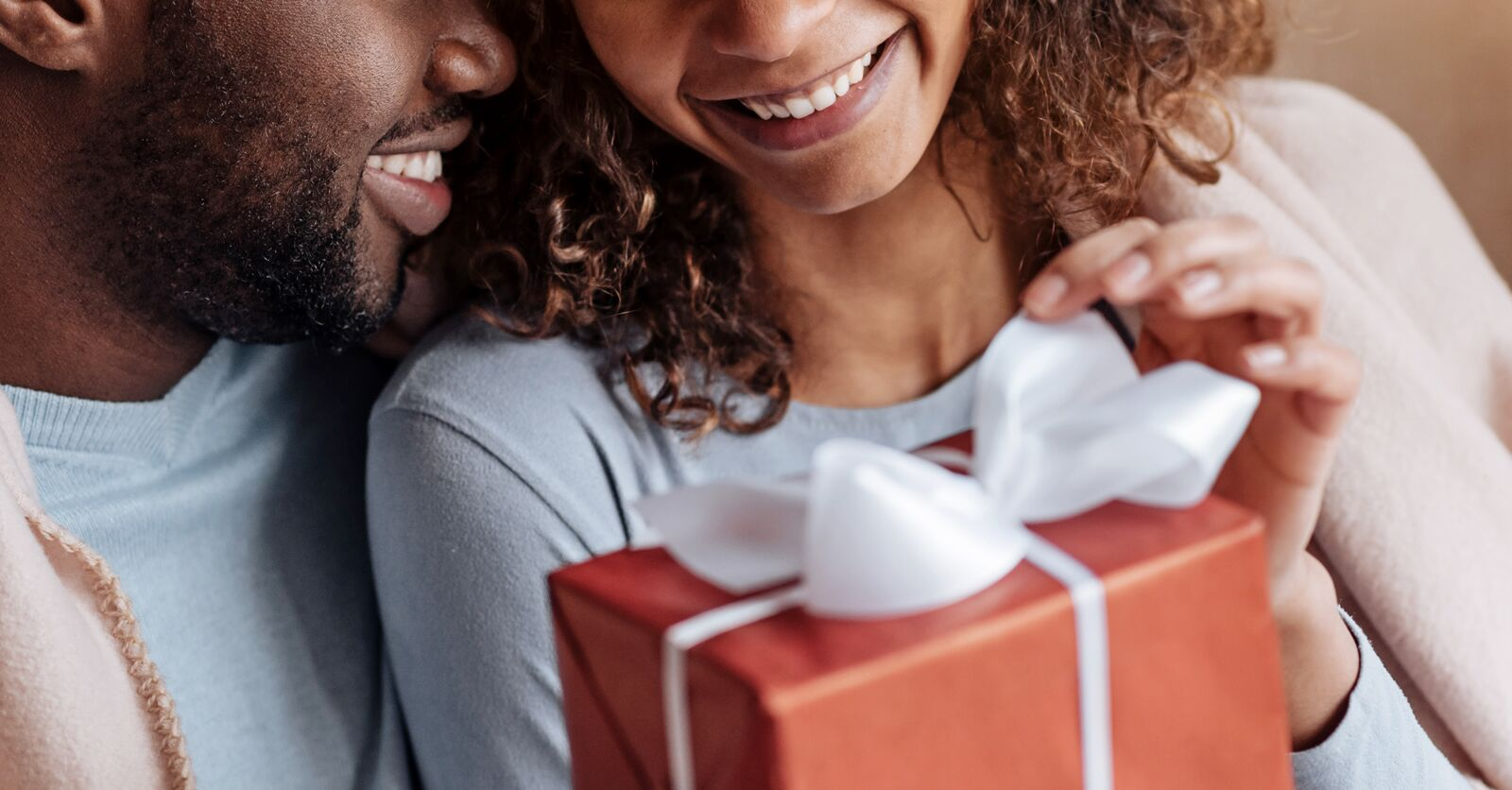 Anniversary gifts by year traditional modern gifts for him her
