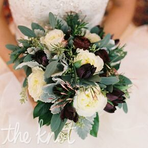 Winter wedding flowers pictures