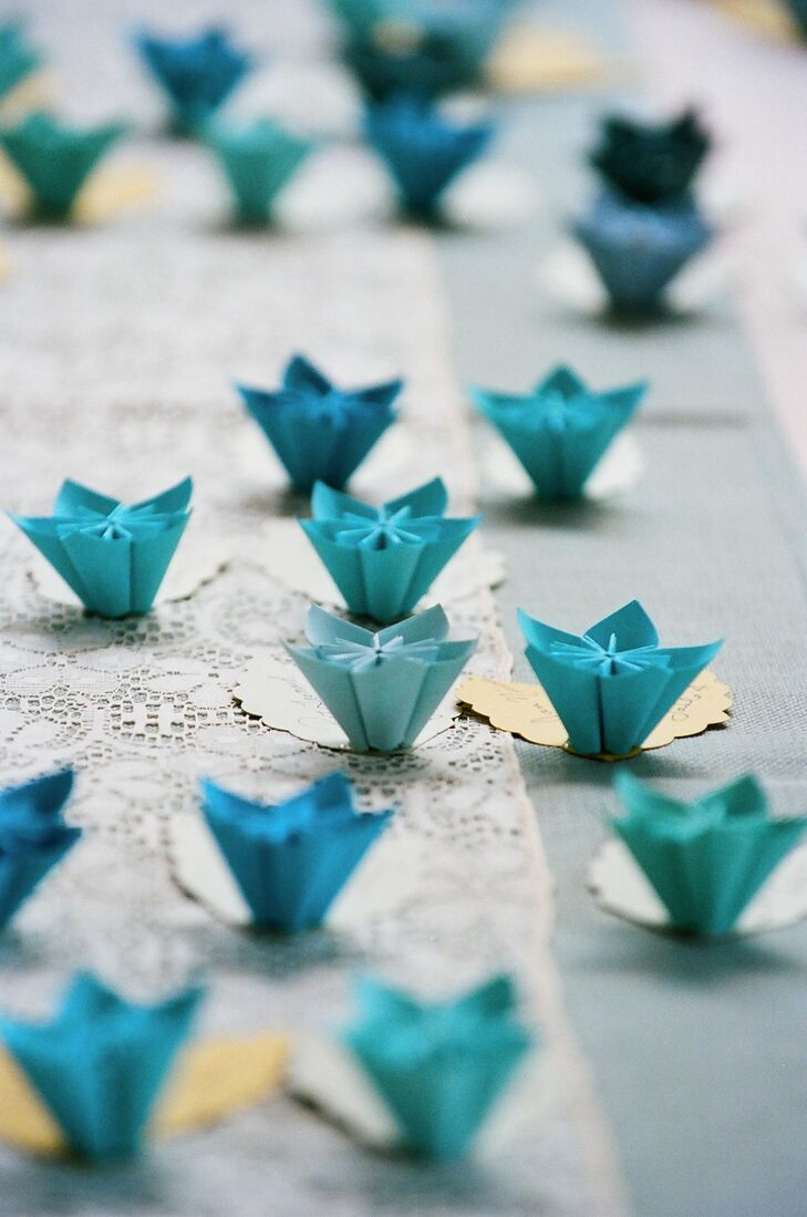 origami flower escort cards
