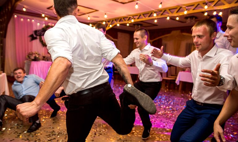 Groomsmen Dancing To Funny Wedding Songs