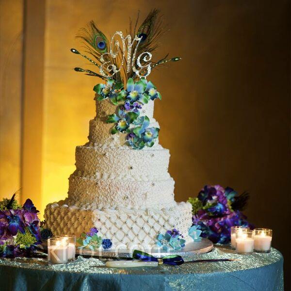 Peacock Feather Wedding Cake: White Wedding Bouquet