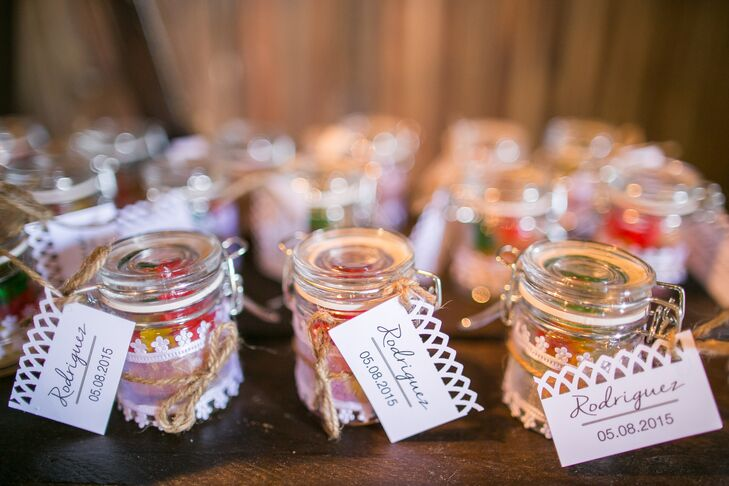 lace wrapped candy jar wedding favors