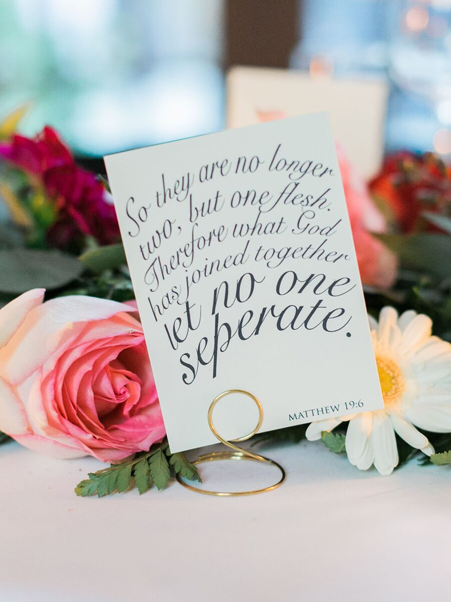 12 Romantic and Funny Sayings For Your Wedding Signs