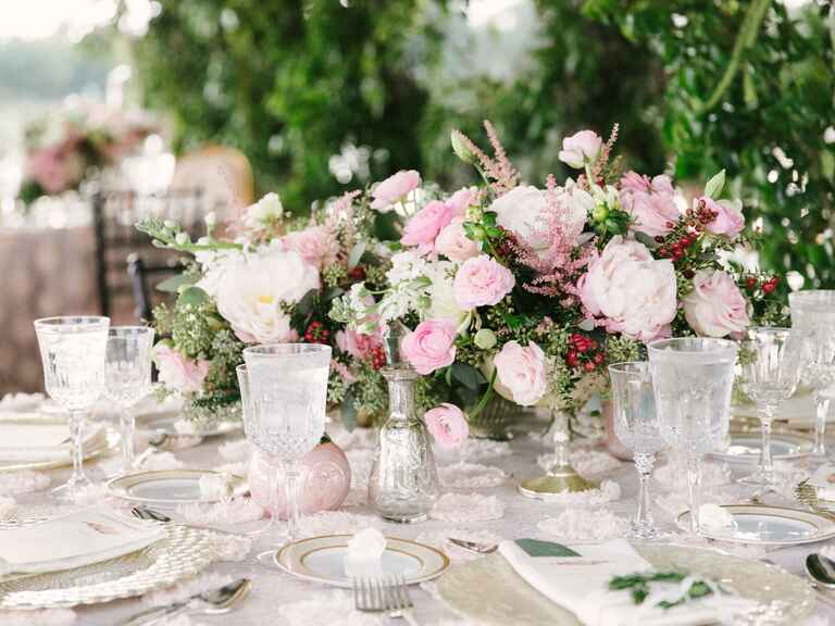 Vintage wedding centerpiece idea