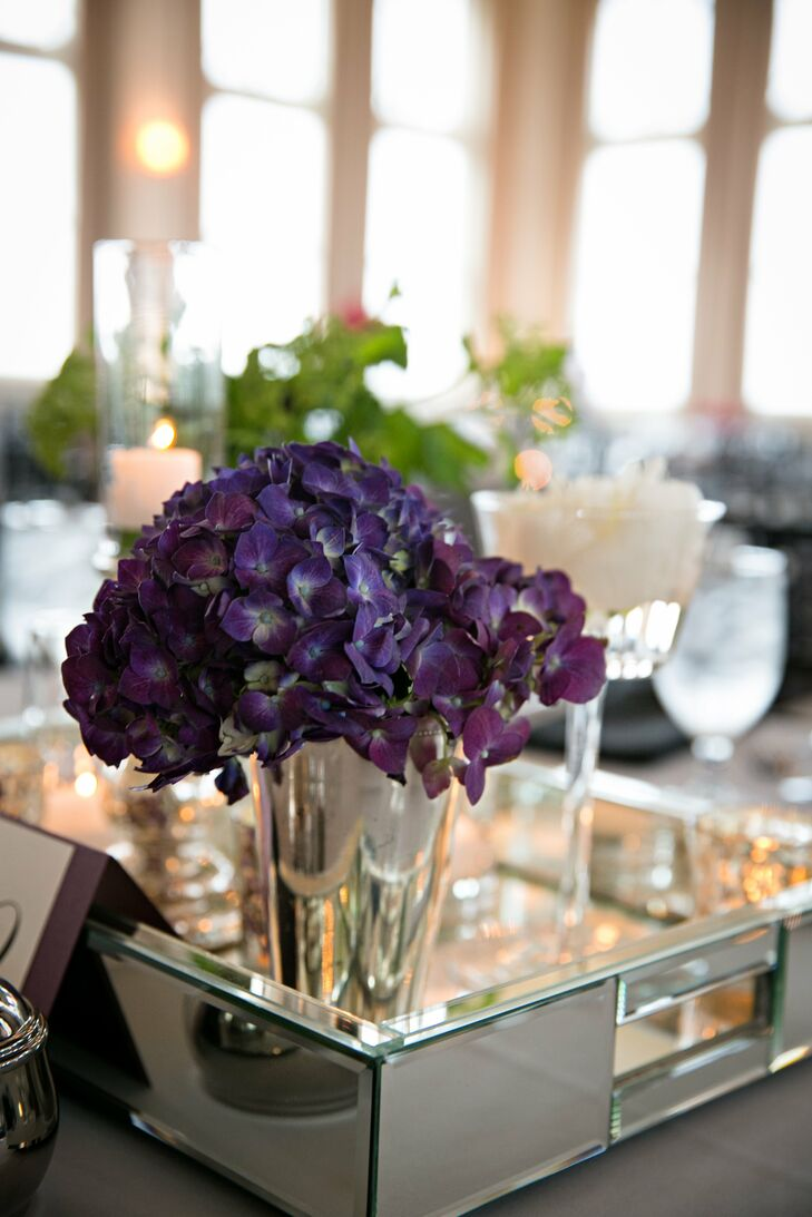 Mirrored reception tray with purple hydrangea