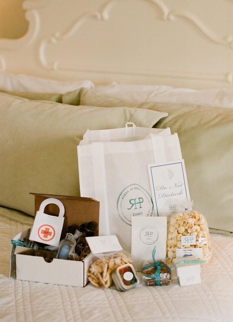 Wedding Gift For 500 Rs : Ideas Ideas For Gift Bags For Wedding Guests our favorite wedding ...