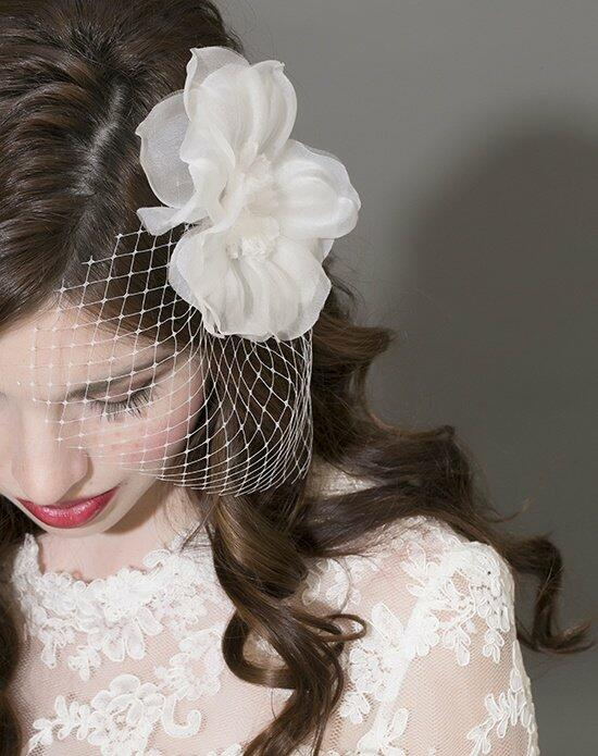 Laura Jayne Tansy Fascinator Wedding  photo