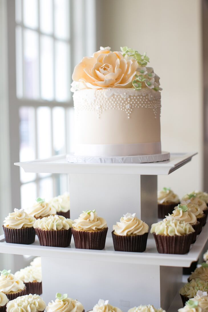 Ivory Wedding Cake and Cupcake Stand