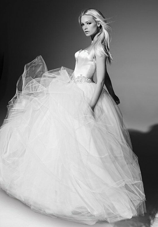 Victor Harper Couture VHC258 Wedding Dress photo