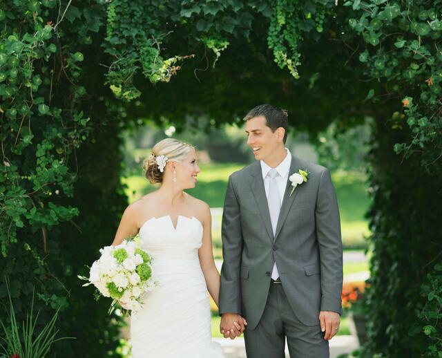 A Sophisticated Modern Wedding In Sioux Falls SD
