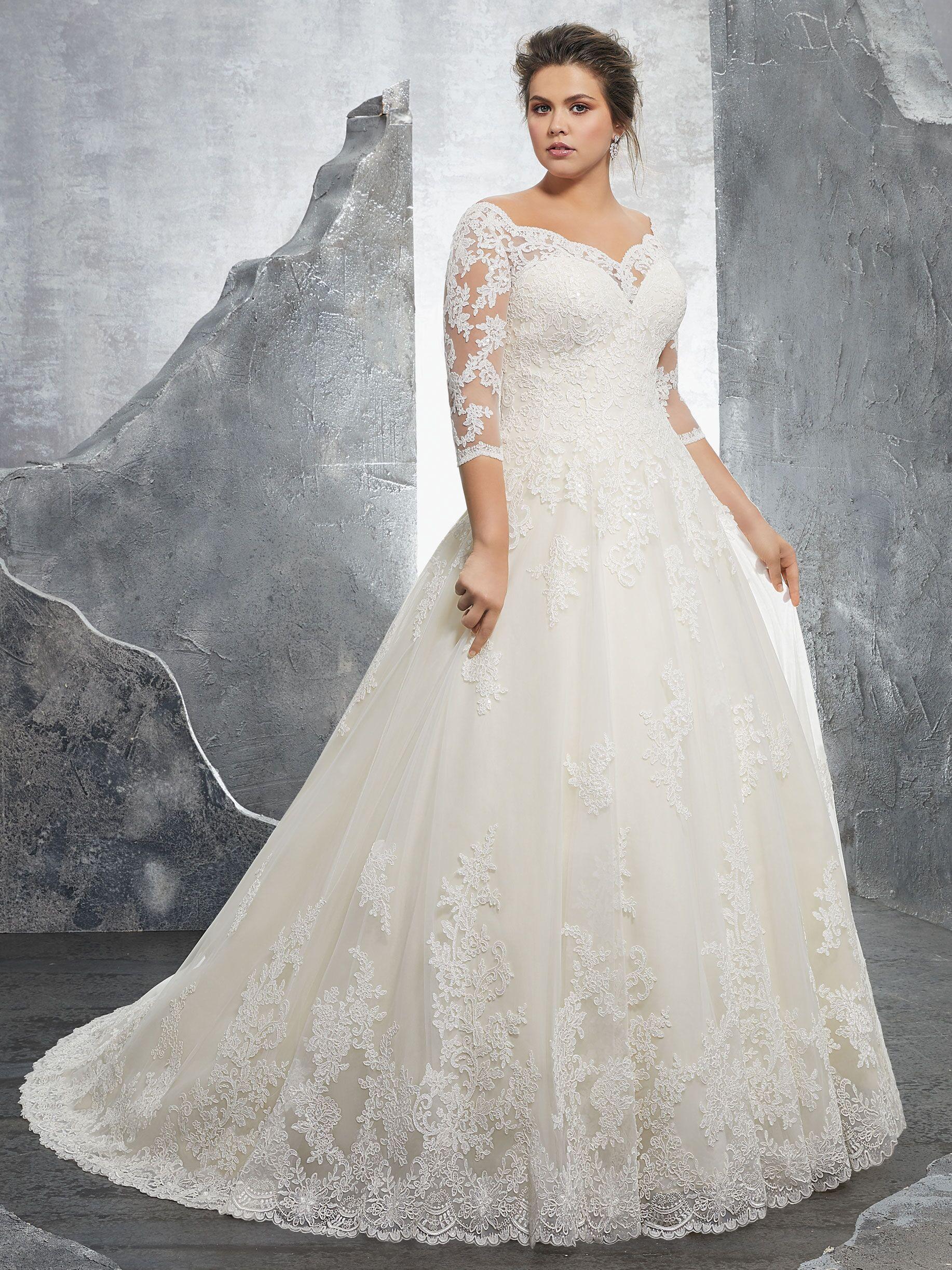 39aed1c538ef 97+ Flattering Wedding Dresses For Plus Size Brides - 20 Gorgeous ...