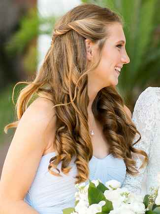 Simple bridesmaid hairstyle for a strapless neckline