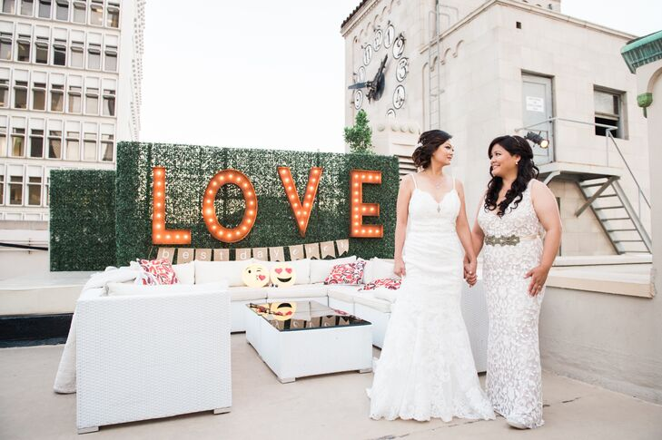 A Vintage Rooftop Wedding at Oviatt Penthouse in Los Angeles, California