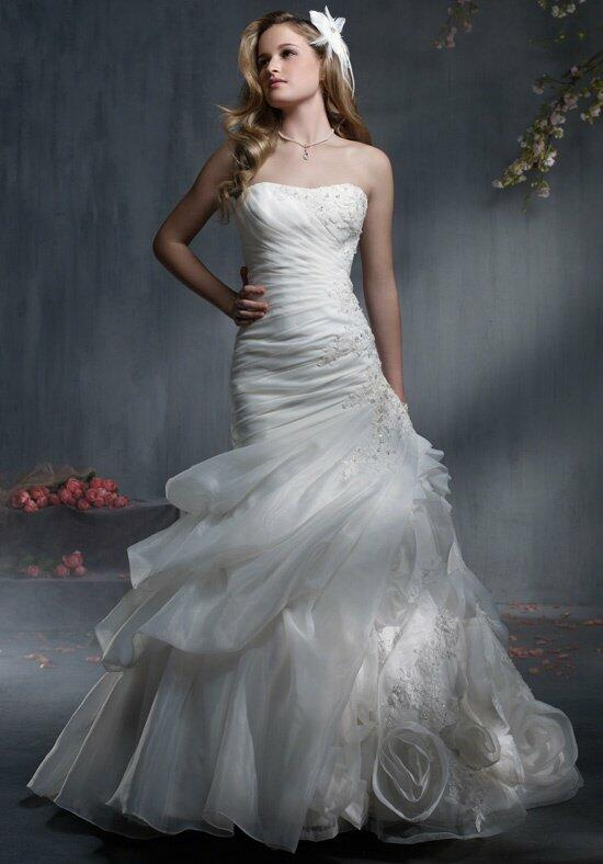 Alfred Angelo Signature 2343/2343C Wedding Dress photo