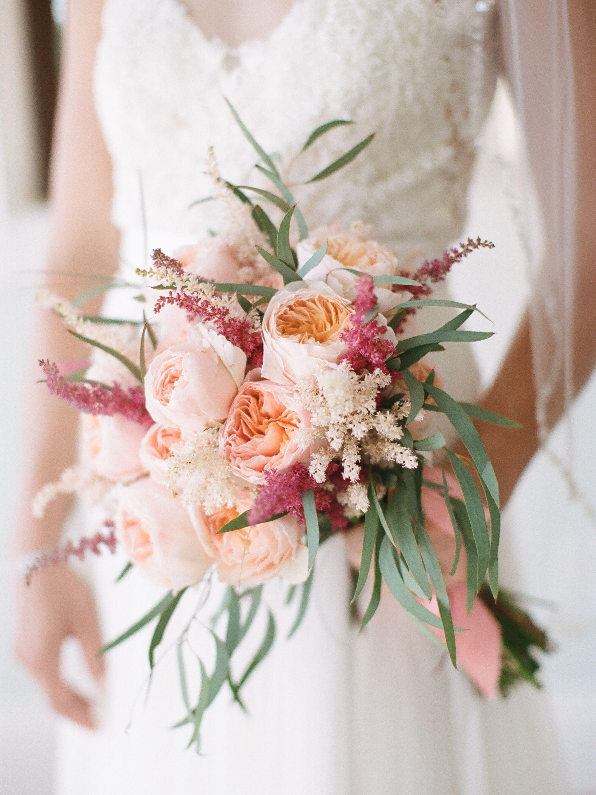 Невесты свадебные, свадебные букеты 60 годов