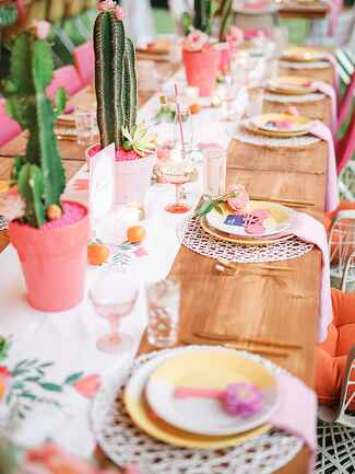 Bright Southwest wedding tablescape ideas