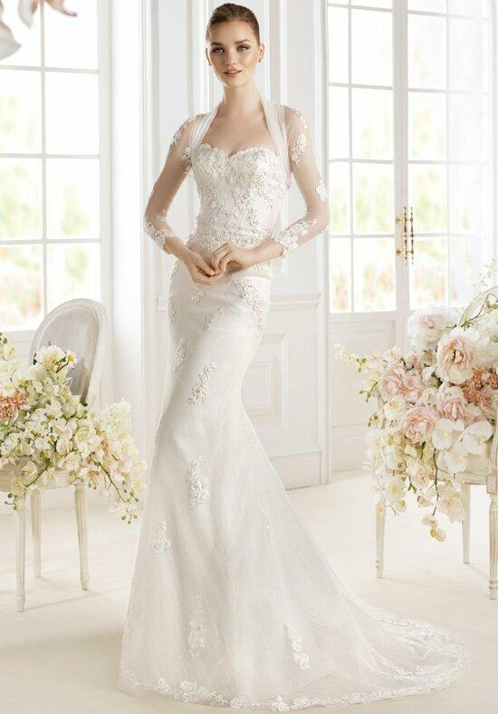 AVENUE DIAGONAL Paladia Wedding Dress photo