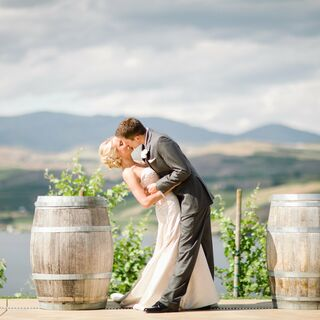 A Romantic Vineyard Wedding in Chelan