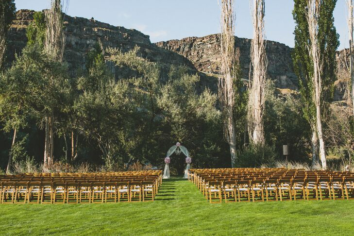 A romantic outdoor wedding at blue lakes country club in for Wedding invitations idaho falls