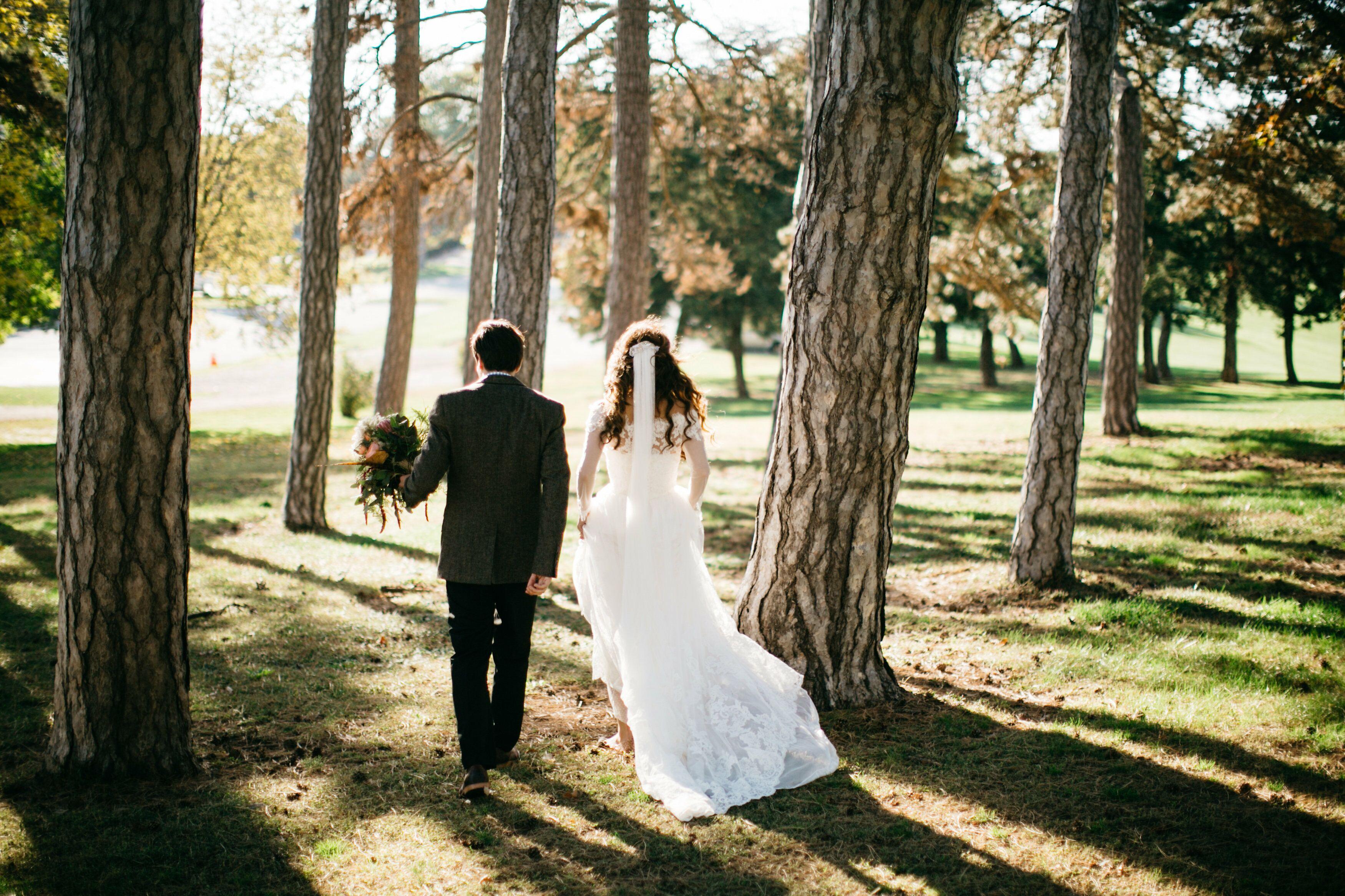Bohemian Fall Wedding In Omaha Nebraska,Sample Sale Wedding Dresses